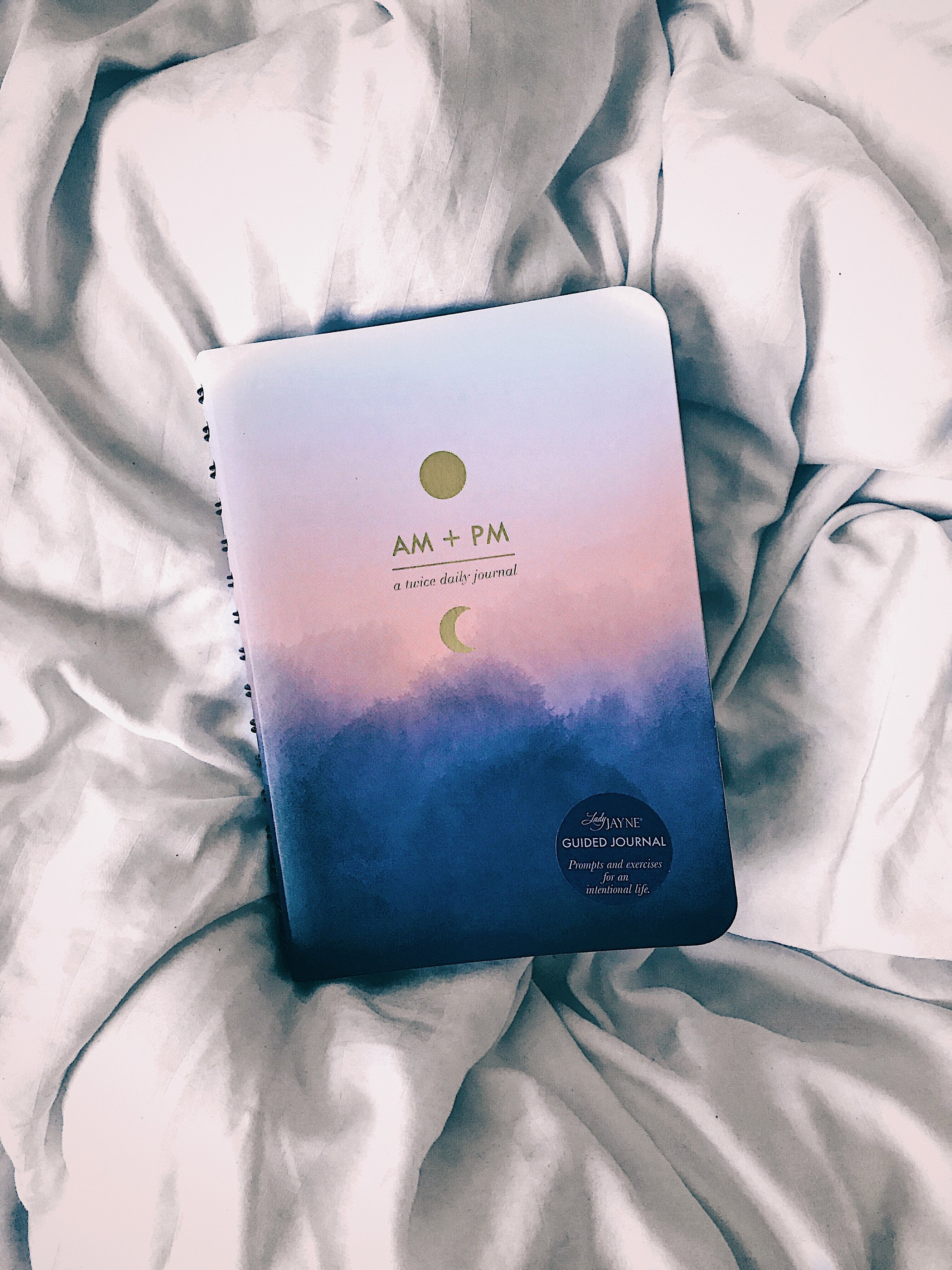 How to start a journal, how to keep a journal and how to journal your emotions. Practical steps to a more mindful and intentional life through journalling. Written by Abiola Babarinde