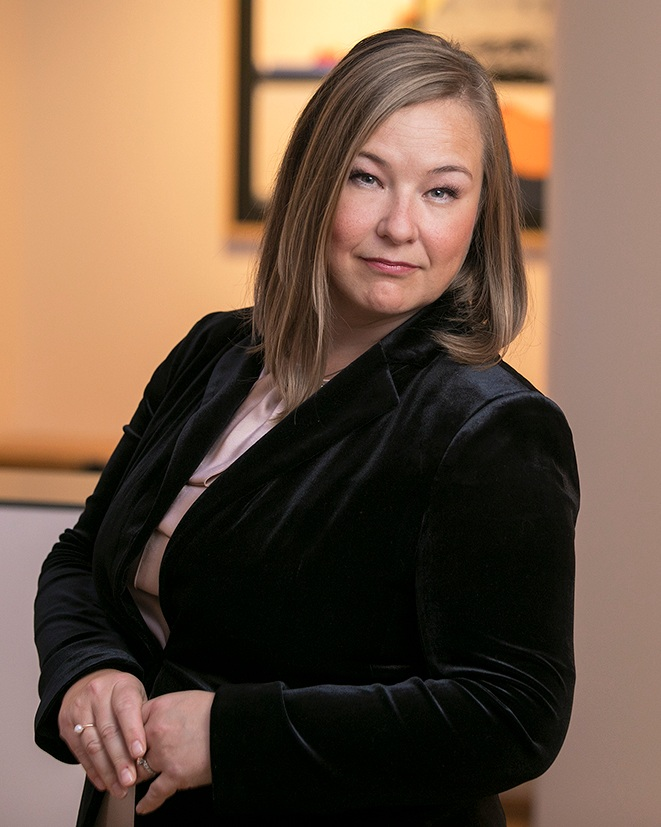 Eva B. Helgadóttir hrl., eigandi   eva@lmbmandat.is