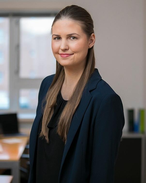 Kamilla Kjerúlf, laganemi   kamilla@lmbmandat.is