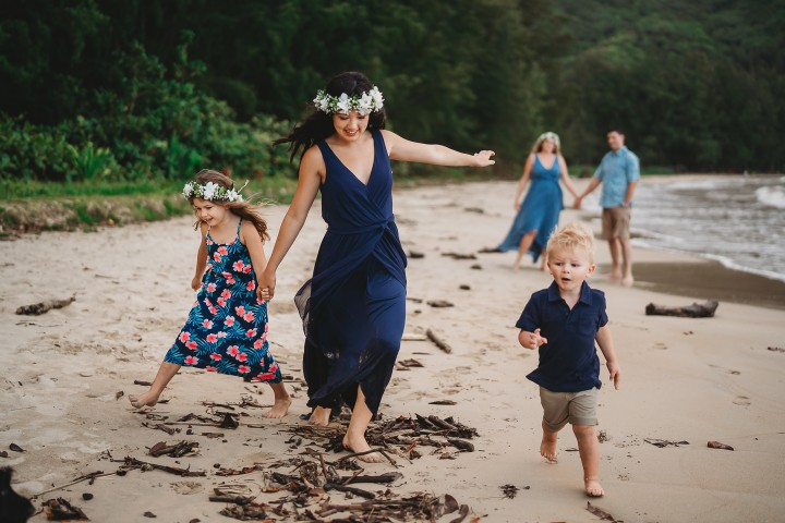 Family-Session-Oahu-Hawaii-Schindler-Family-02.jpg