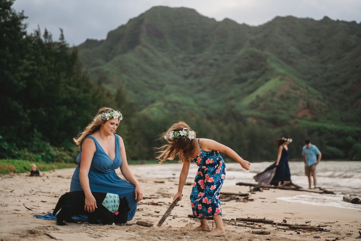 Family-Session-Oahu-Hawaii-Schindler-Family-06.jpg