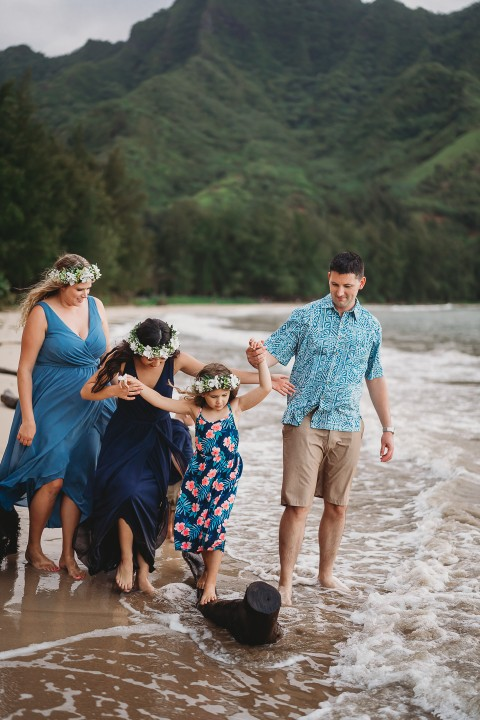 Family-Session-Oahu-Hawaii-Schindler-Family-08.jpg