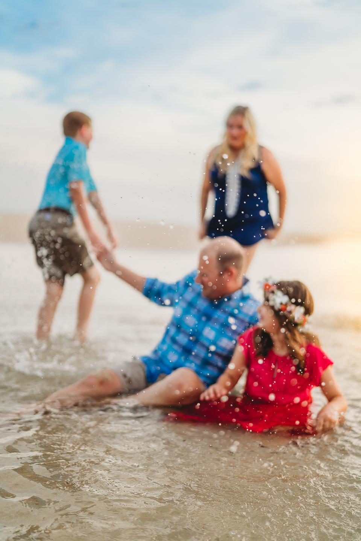 Hawaii-Family-Photographer-Oahu-Beach-Session11.jpg