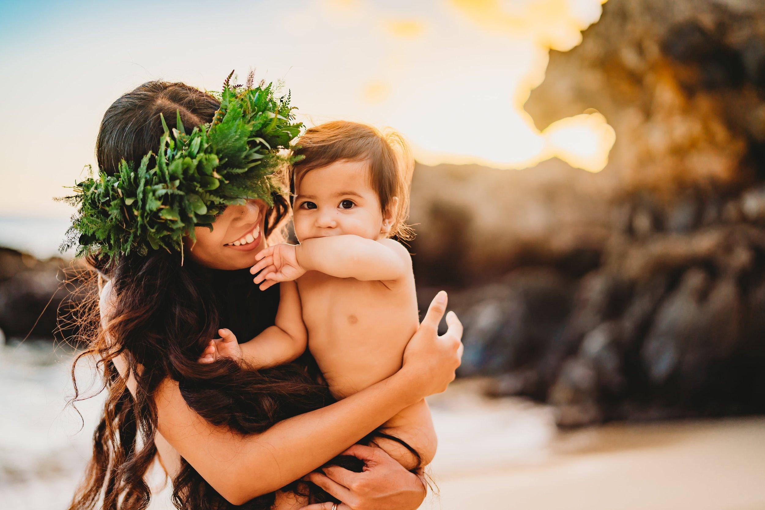 Oahu-Hawaii-Family-Photographer-haku-lei-mother-daughter-beach-session-8.jpg