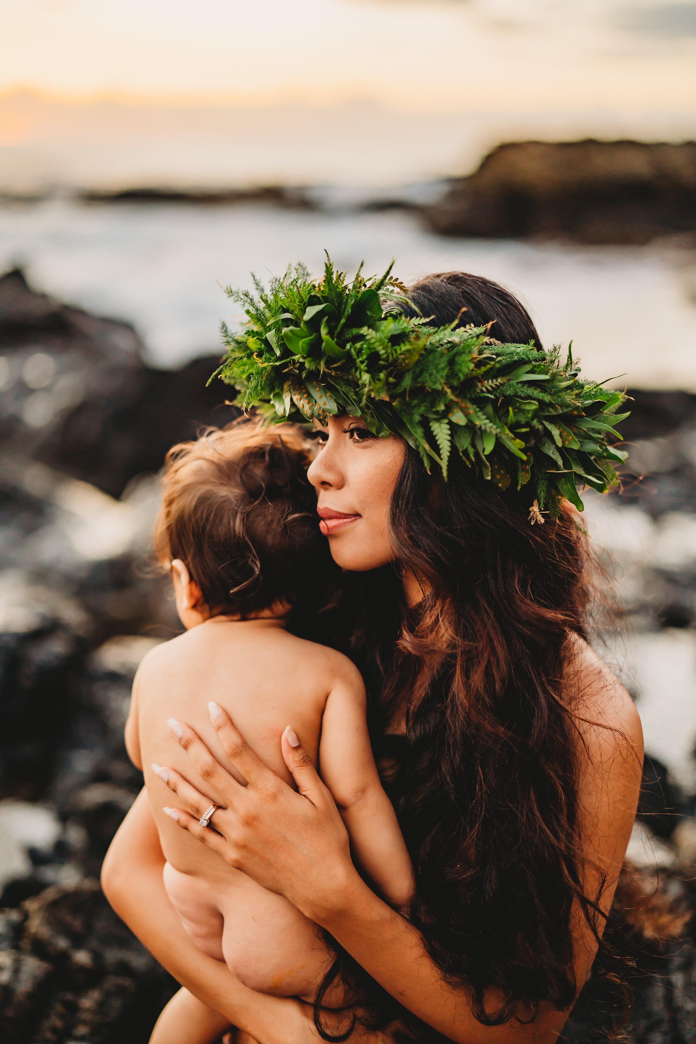 Oahu-Hawaii-Family-Photographer-haku-lei-mother-daughter-beach-session-11.jpg