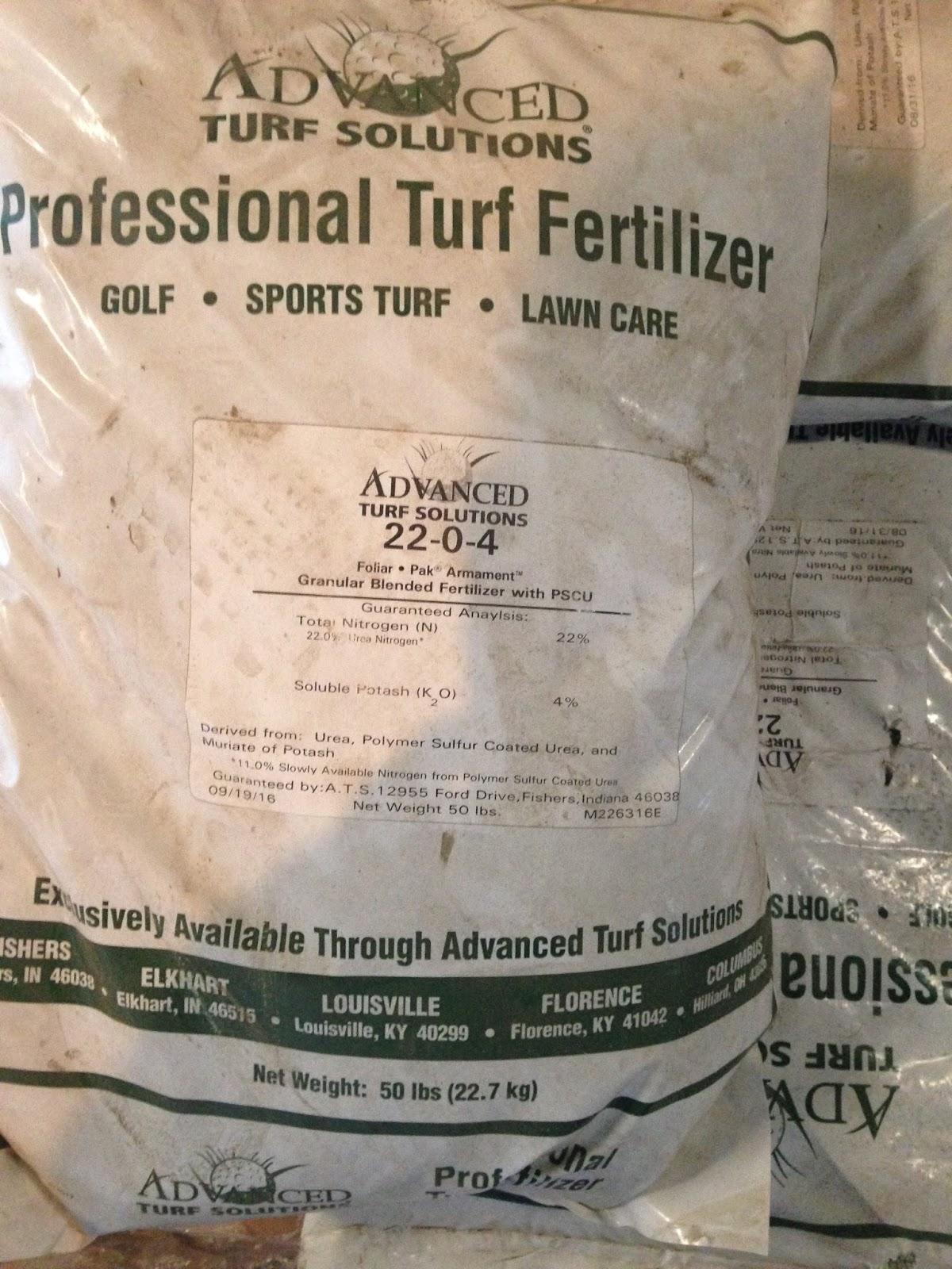 A high-nitrogen slow-release fertilizer helps a lawn prepare for winter