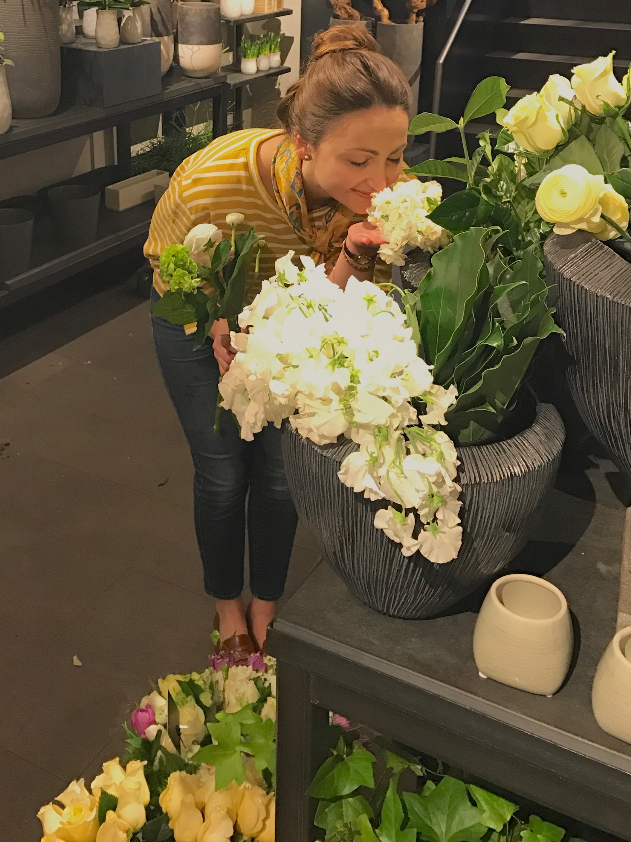 Thank you to Winston's Flowers for letting me come in, having a little flower photo shoot, and helping me to build my bouquet. You made it so much easier to ask for help with my florals and my photos! If you're in need of any flowers or gifts in Boston, stop in and have fun!