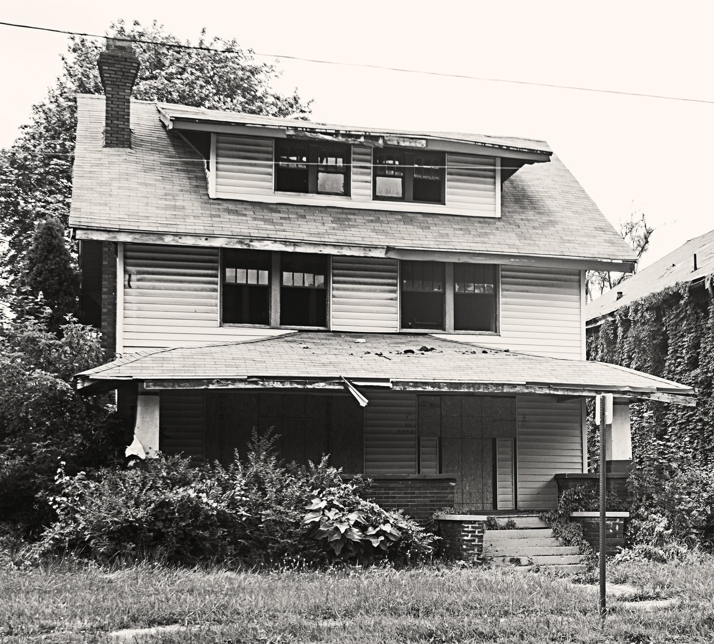 flinthouse.jpg