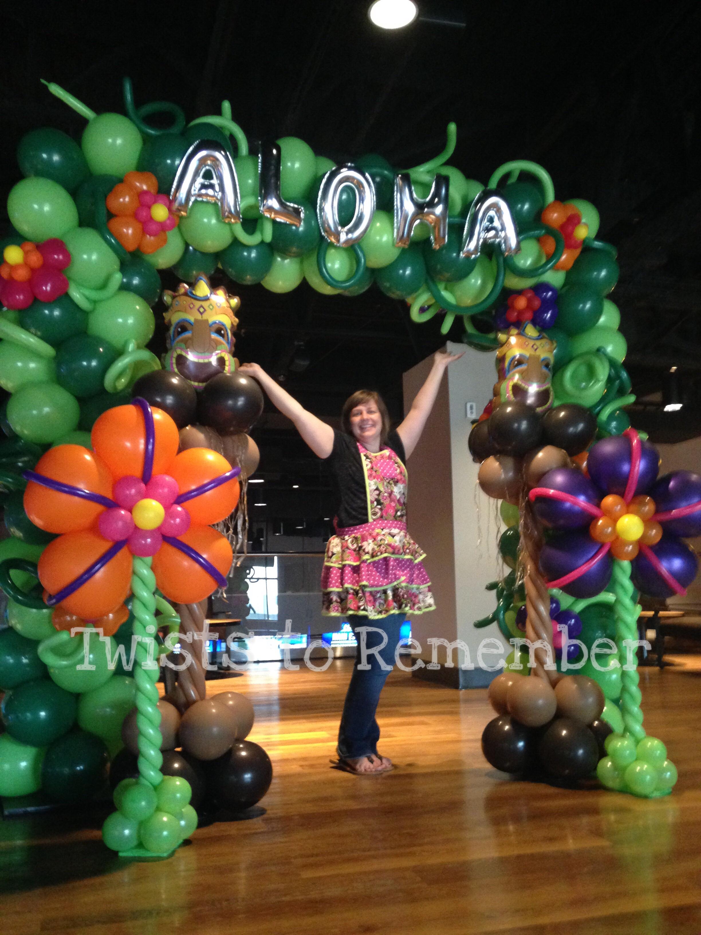 aloha arch.JPG