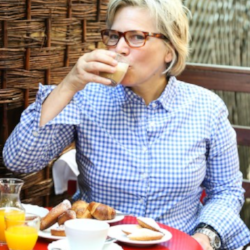 Jody Williams on Paris vs. New York    The New Potato, August 2014