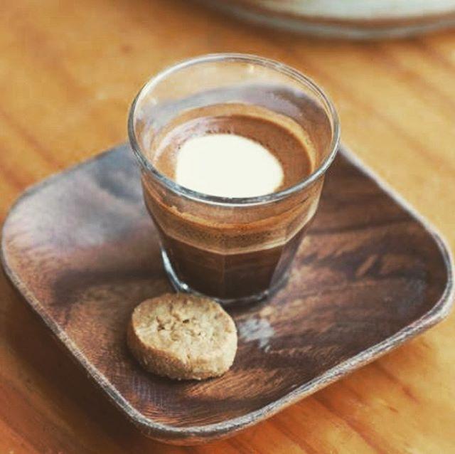 Good morning macchiato @2.0coffeeco #coffee #specialtycoffee #caffeine #coffeeshop #macchiato #cafe #sydney #sydneycafe #sydneycafes #darlinghurst #darlinghurstcafe #travelsydney #sydneytourist #wheninaustralia