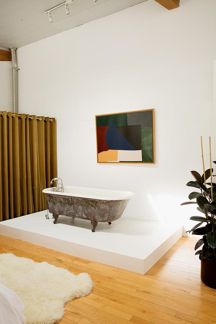 Vintage Bath Tub