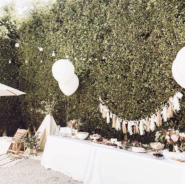 Almost two years later, this sophisticated California-cool baby shower we threw in honor of @rollybobolly is still a favorite. I'm definitely still finding pieces of hay from hauling those bales and it was definitely worth it. 📷🌷@designcultivate