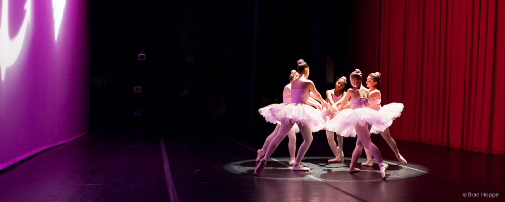 ballet-pointe-performance-pink-tutu-2014.jpg