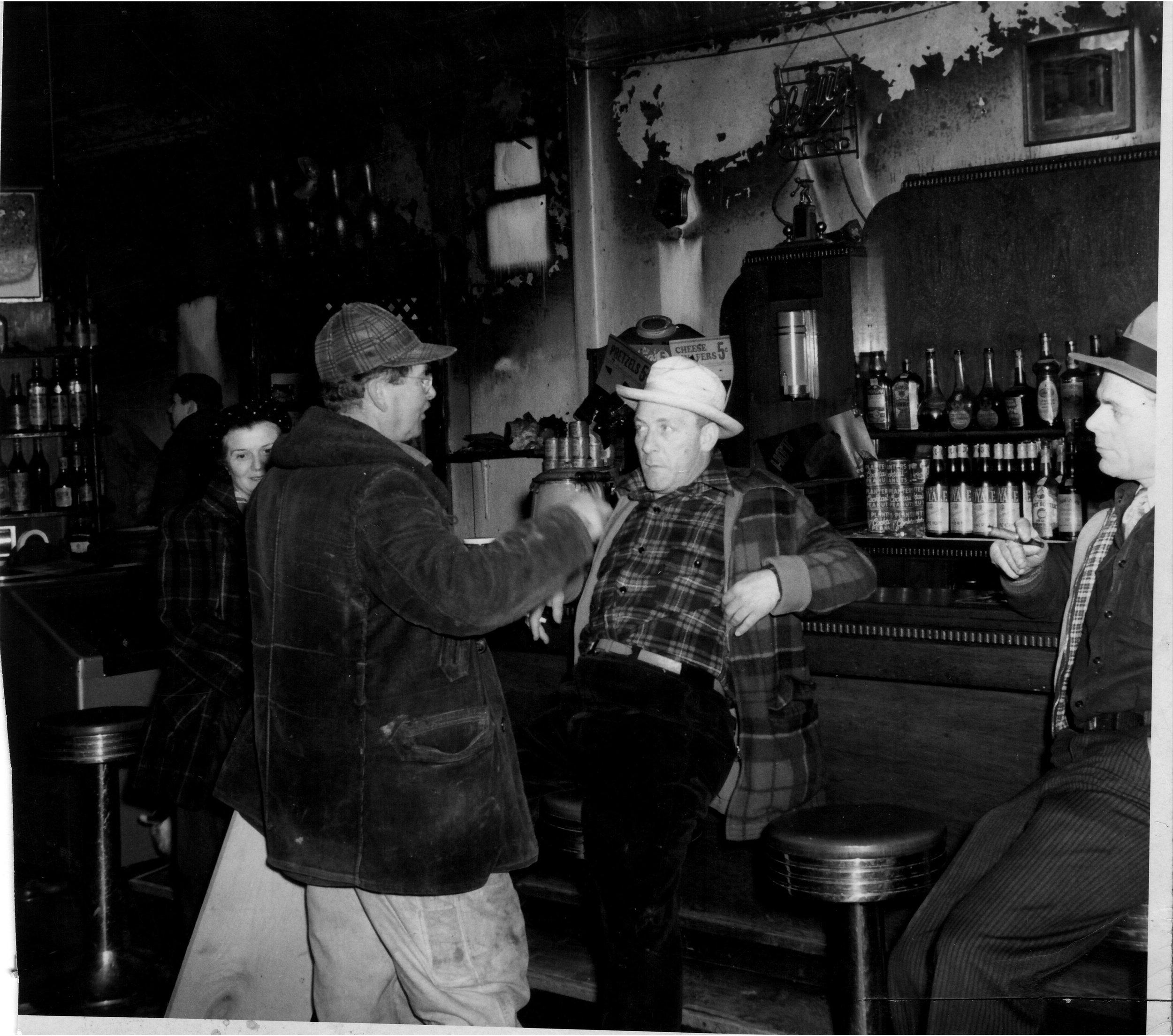 Gunselman-Tavern-regulars-(2).jpg
