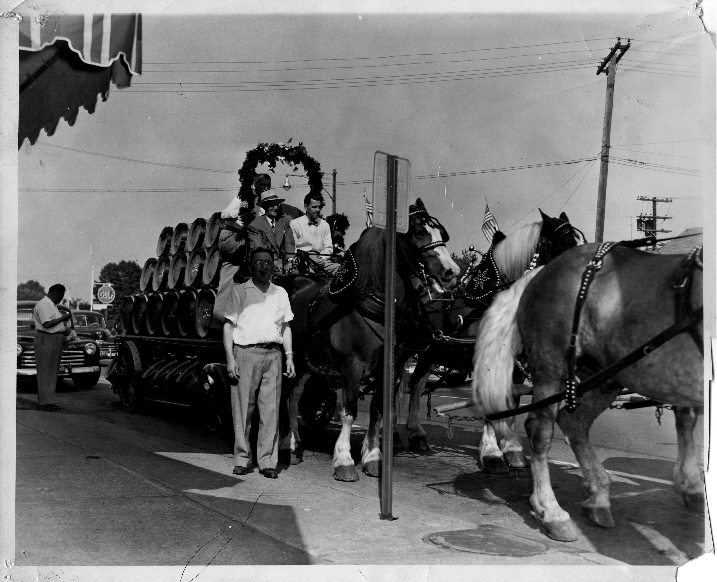 Gunselman's---parade-summer-1952.jpg