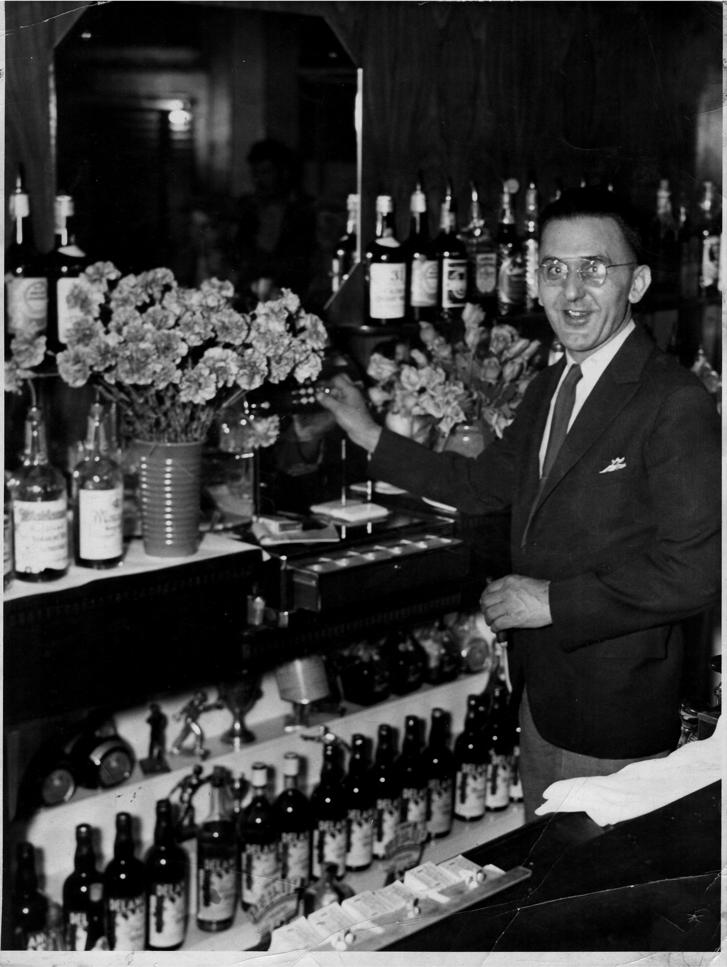 Henry-Gunselman-behind-the-bar.jpg