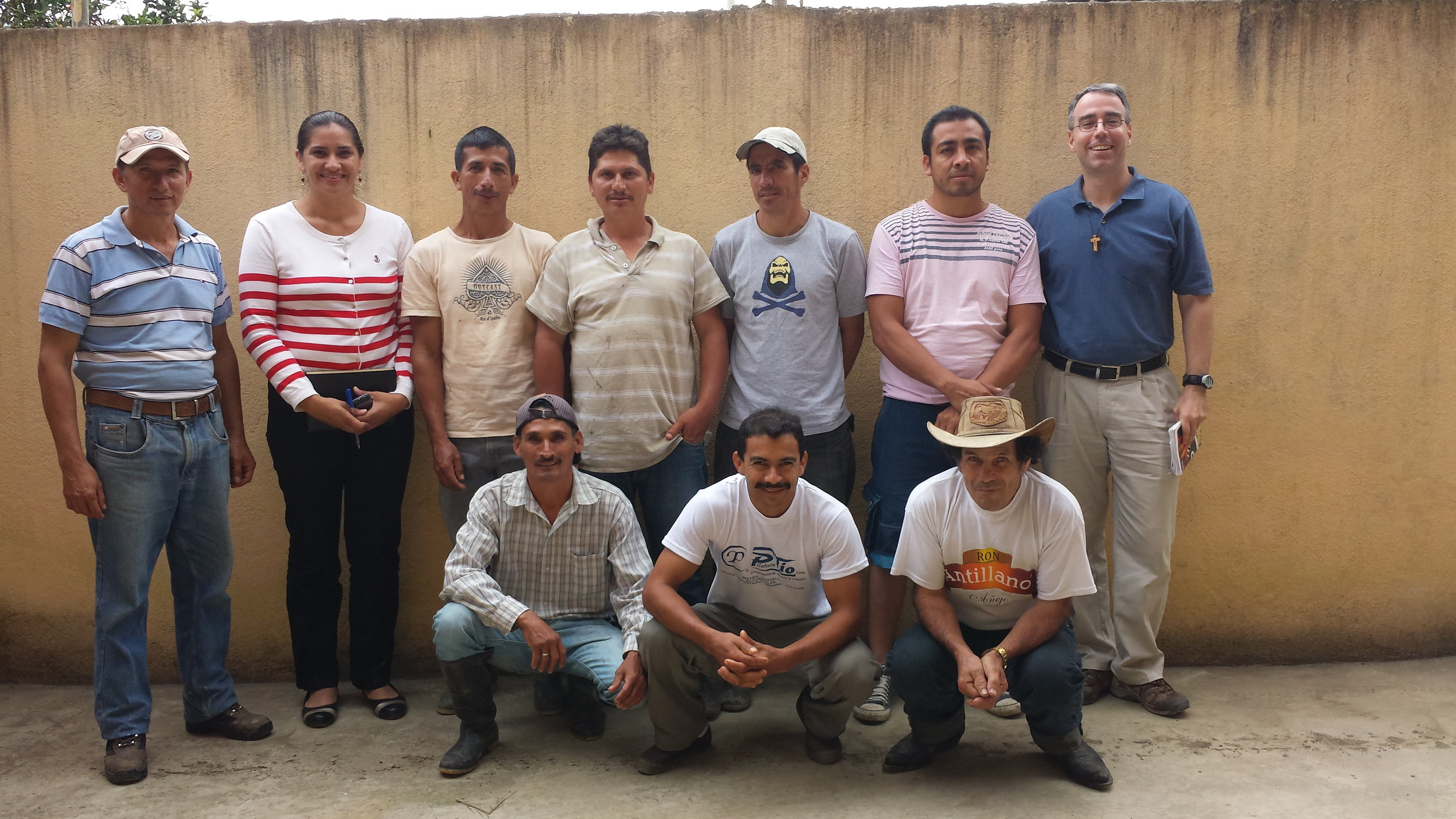 Don Ramiro, Sra. Shisela, and representatives of the families that received relief funds.