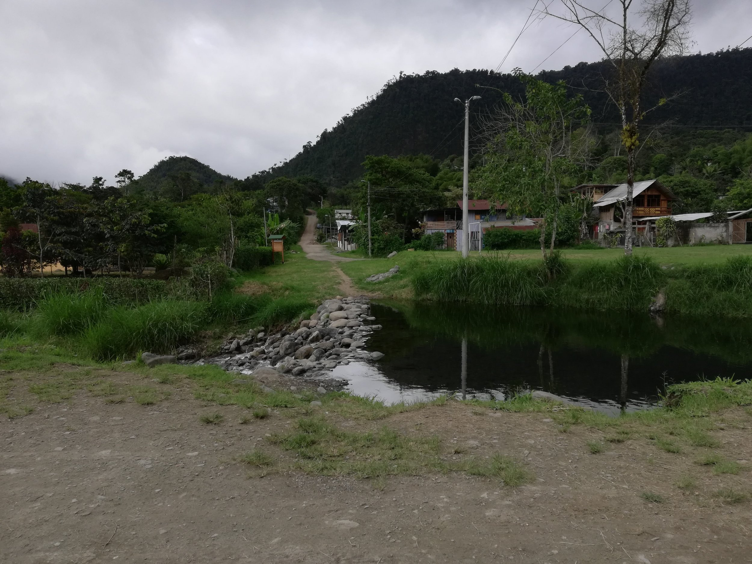 Near the hotel, there's a river that has a natural pool. I try to hop in there whenever I can after a hot day. Mornings are sunny, while in the current rain season, afternoons are overcast or rainy.
