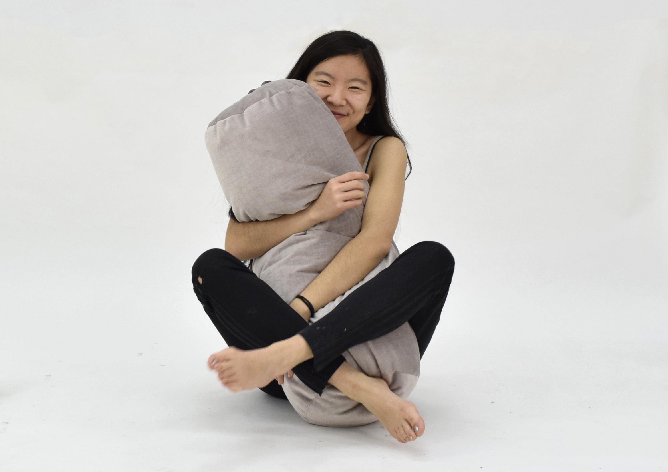squeez the pillo.jpg