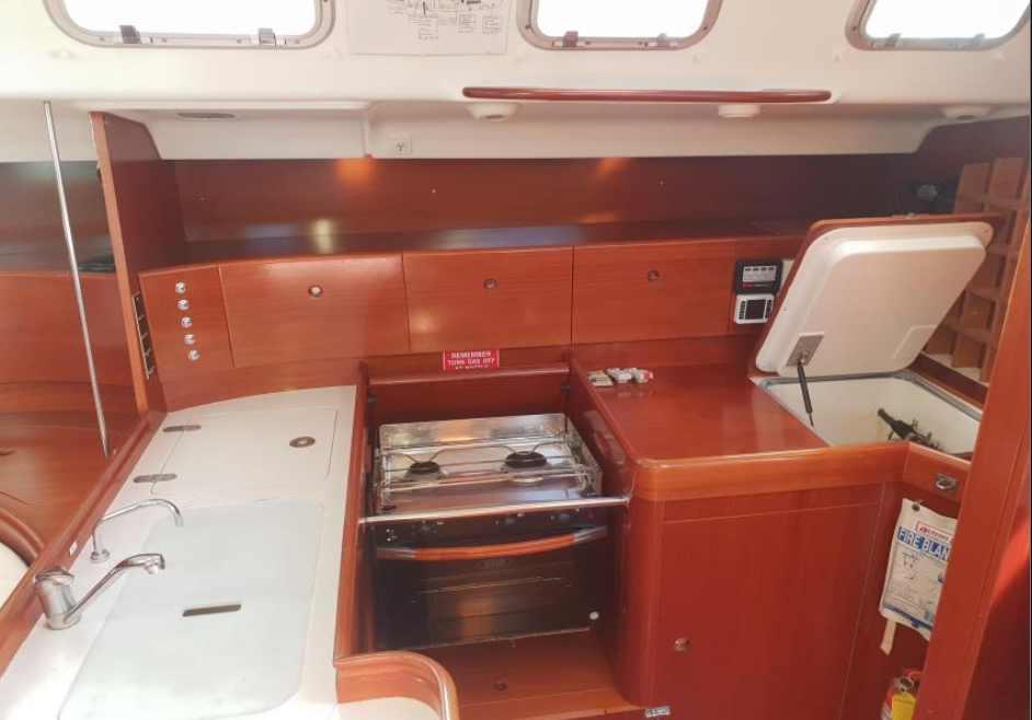 Yacht-for Sale-by Salthouse6.png