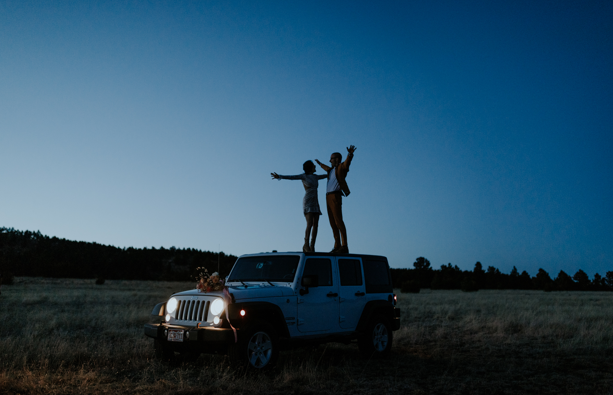elopement-jeep-session-earthbelowphoto-1.jpg