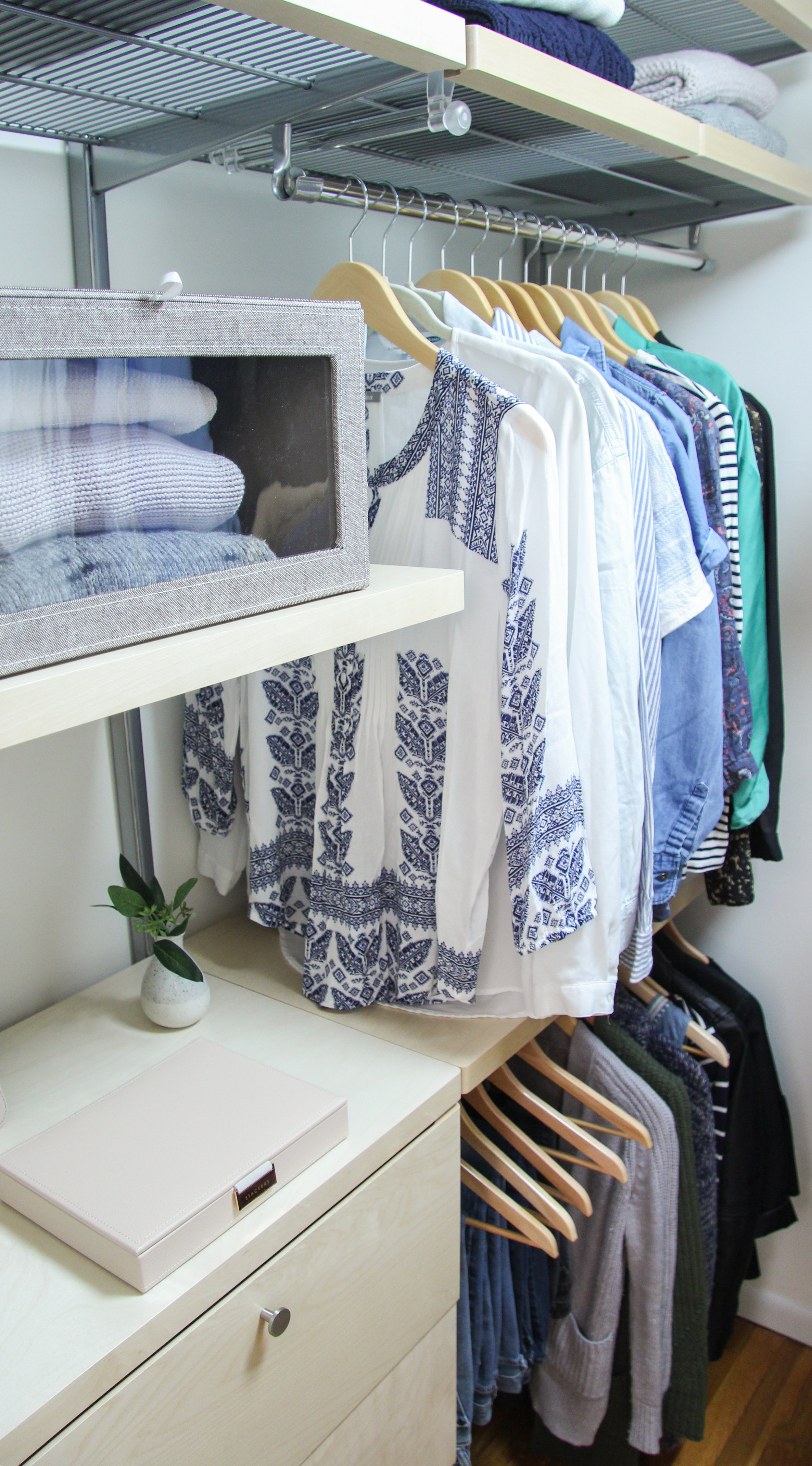 Diy Elfa Walk In Closet Makeover Katie Bookser