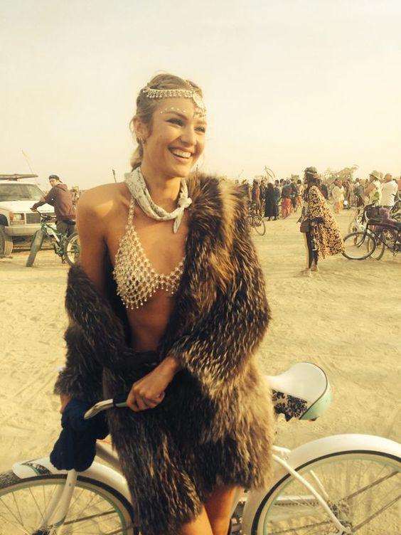 lust for dust, burning man festival fashion inspiration, Skullptress jewelry, burner babe, indie designer blogger, women