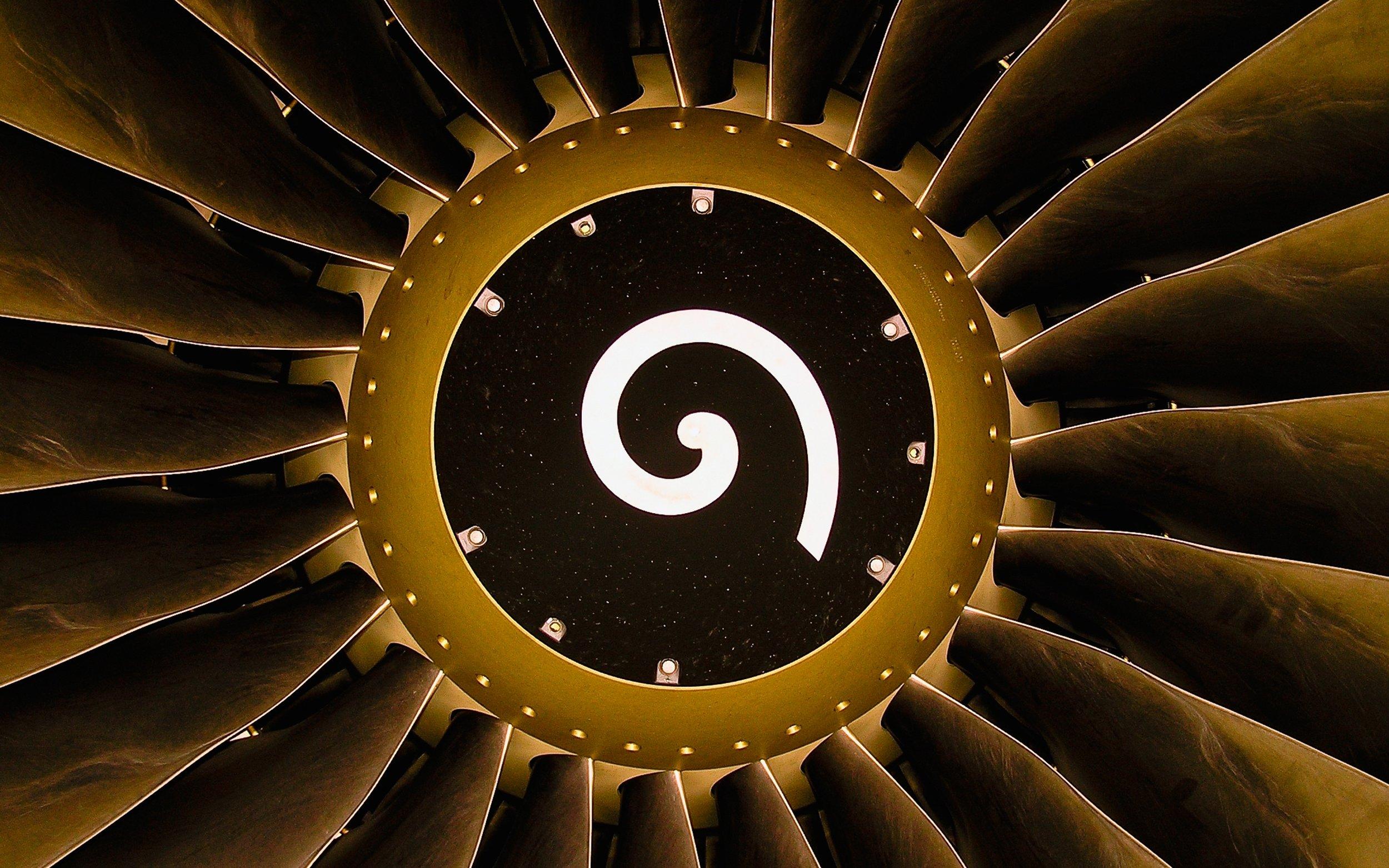 emirates-cabin-crew-tabletl.jpg