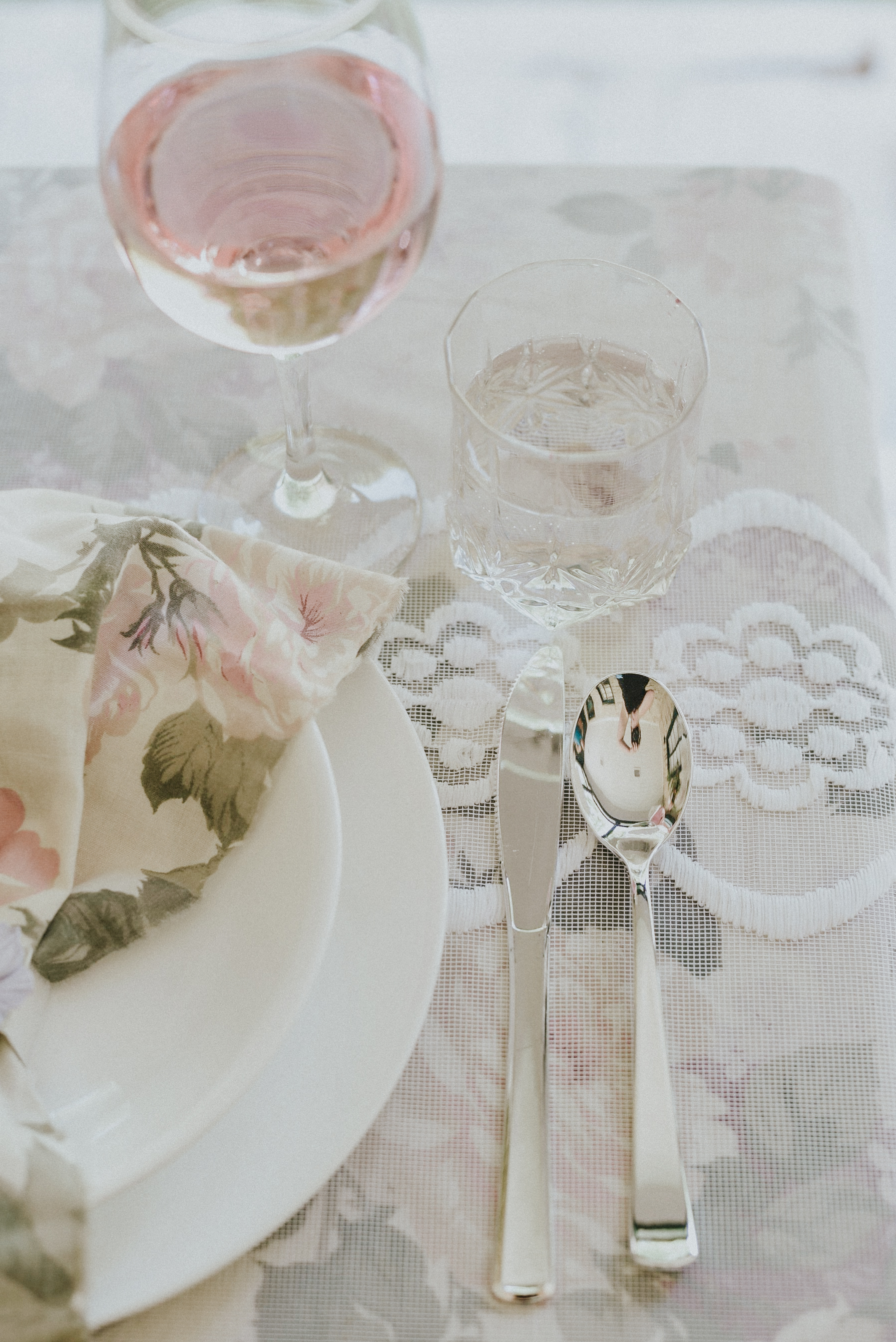 Peach and lilac pink wedding table setting styled shoot Ontario Canada
