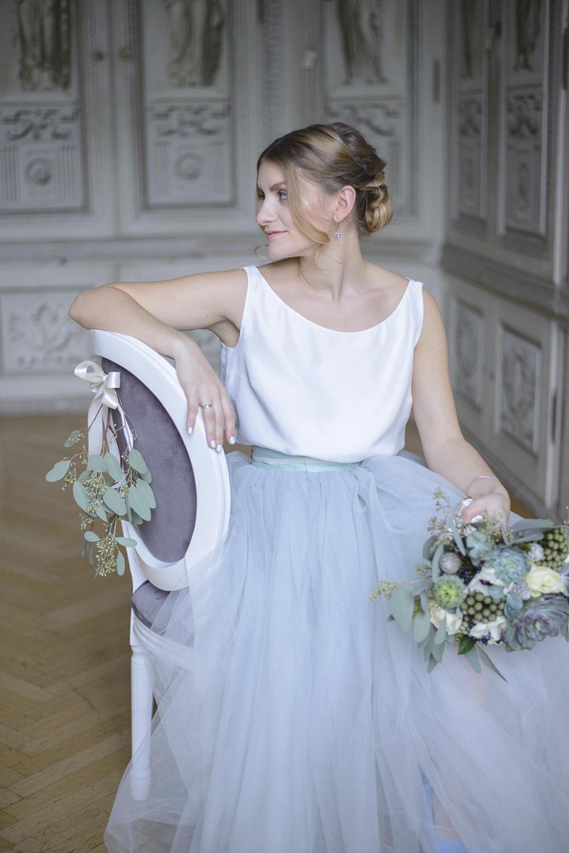 Winter baby blue grey and silver wedding inspiration Schloss Laudon Vienna Austria