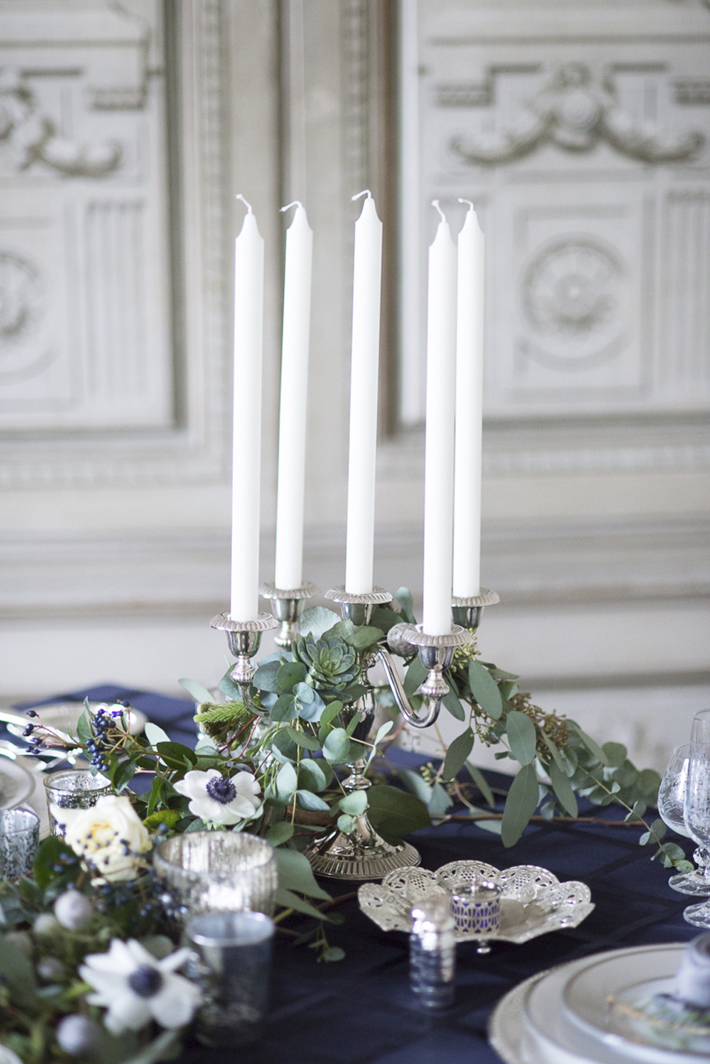 Floral runner table decoration wedding inspiration at Schloss Laudon Vienna Austria by Barbara Wenz Photography