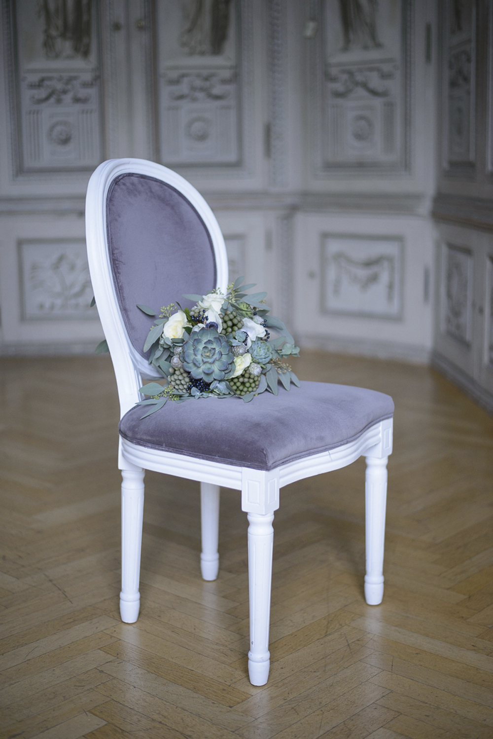 Wedding decoration inspiration in blue grey and silver at Schloss Laudon Vienna Austria by Barbara Wenz Photography