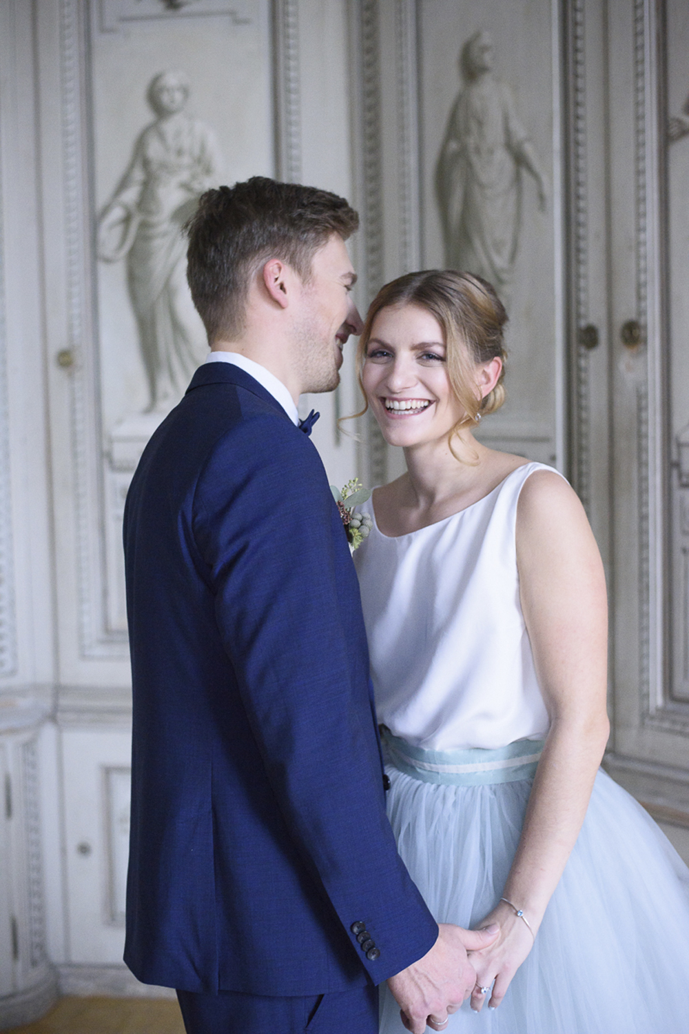 Bride and groom wedding inspiration at Schloss Laudon Vienna Austria by Barbara Wenz Photography
