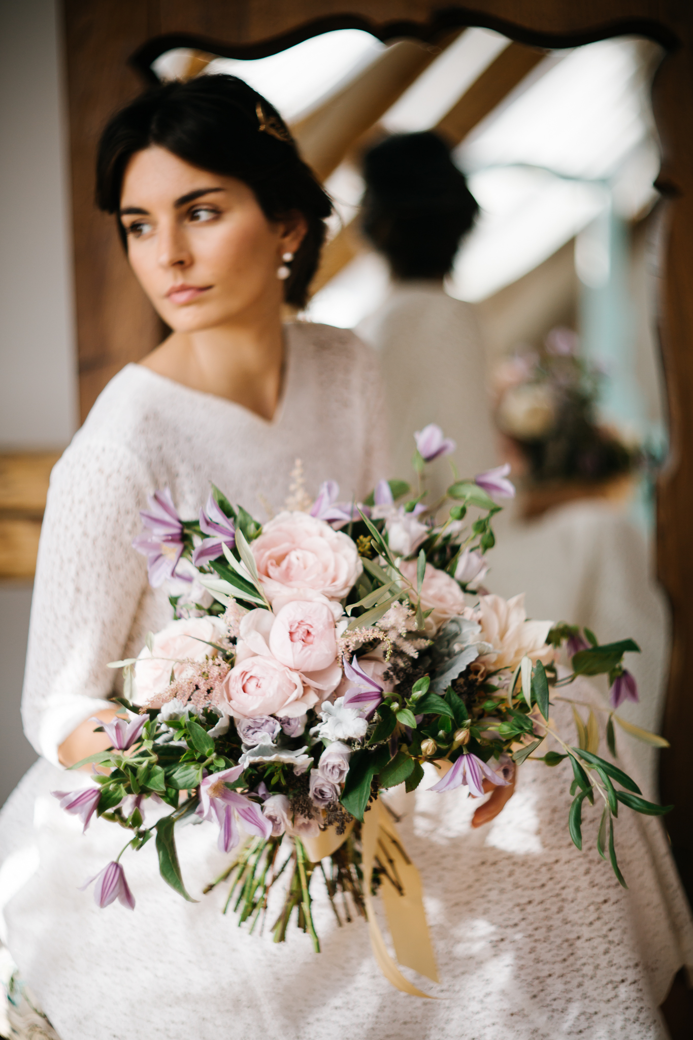 Blush violet dusty green wedding flowers by Ponk Rentals for Slovakian bride in vintage lace dress