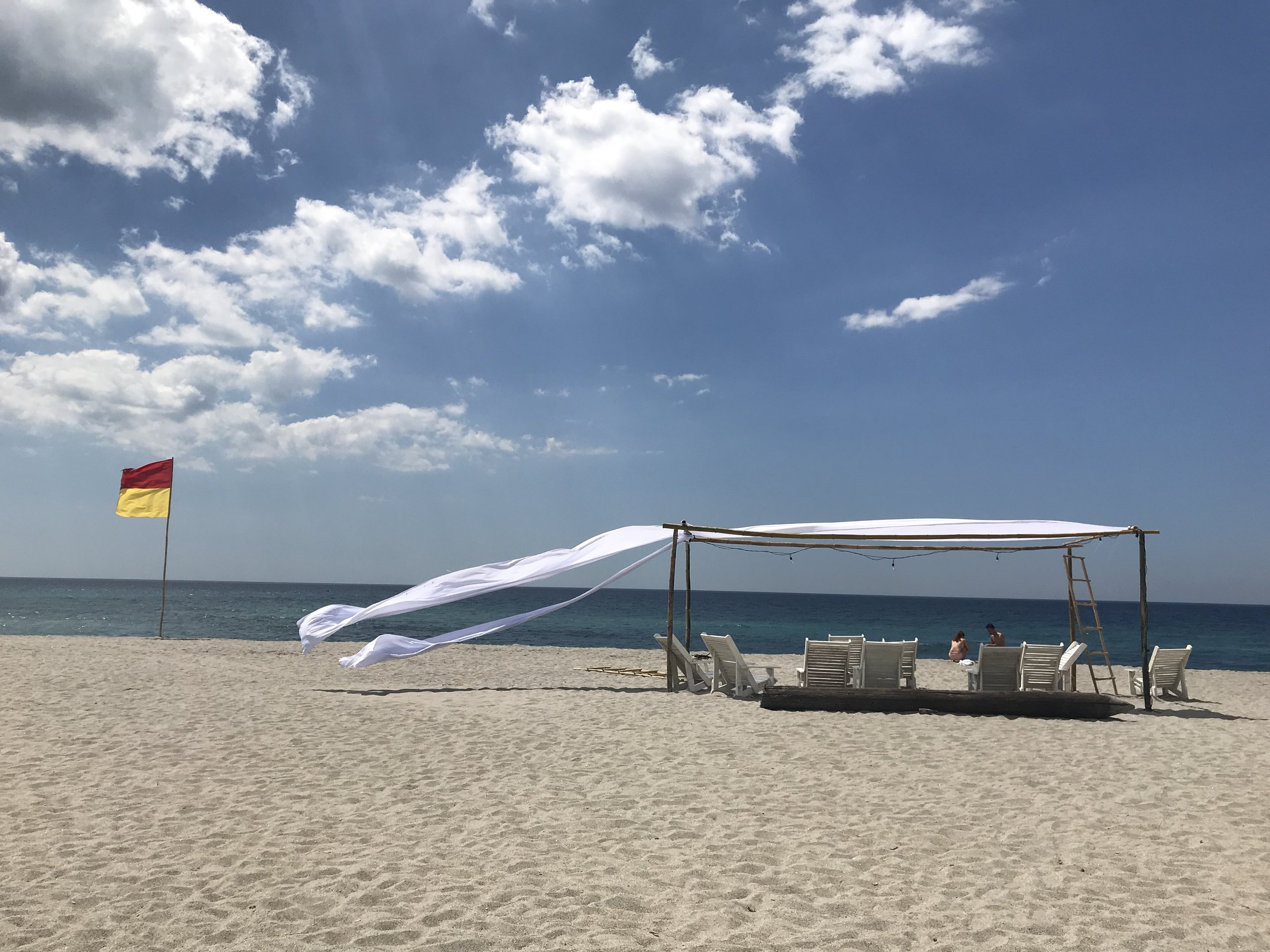 This is a perfect escape from the busy city life. You can get an intimate set up like this at Crystal Beach.