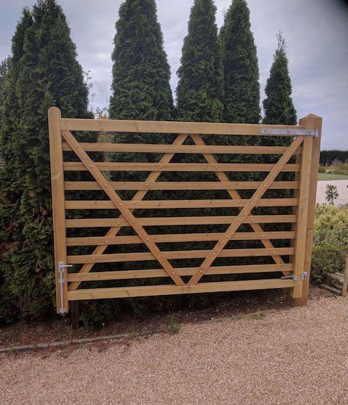 gate-2.jpgNick Blunt Fencing