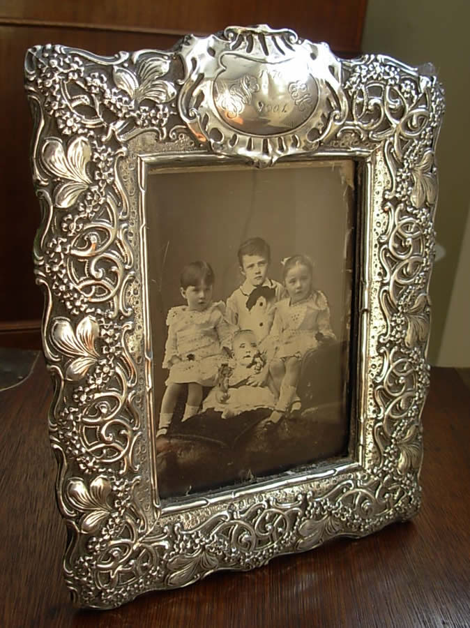 antique-silver-photograph-frame-32-P1.jpg