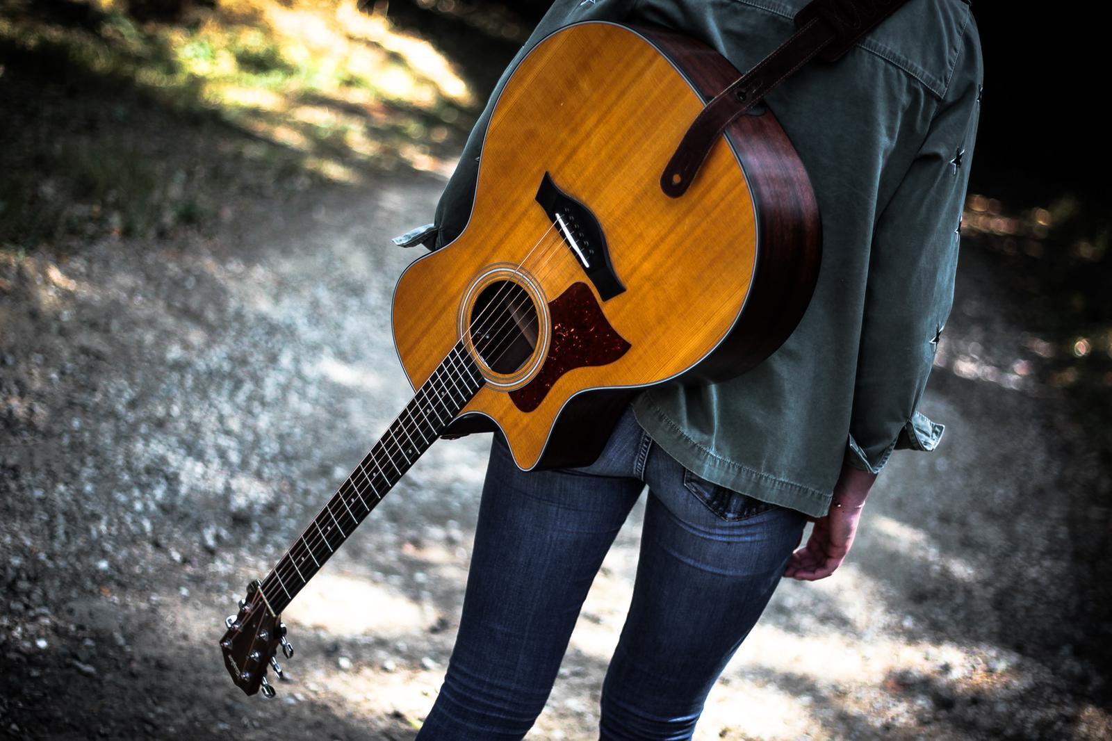 Live Music Sunday - Anouska Assisi