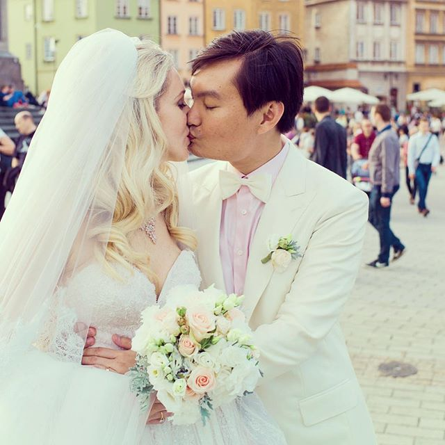 Blush pink, white and cream color palette : classic and dreamy. Taken in Warsaw, Poland. #warszawa #warsaw #poland #bride #bridalmakeup #bridalhair #weddingday #weddingdress #weddinghair #weddingphotography #vasego #singapore #mixedcouple #weddingplanner #asiasaidyes #love #l4l #followme