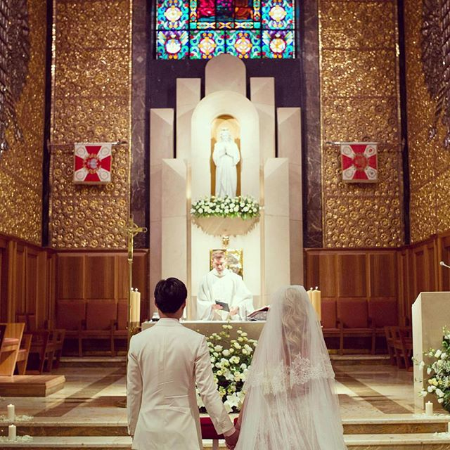 Church wedding : spiritual and grand. Very special place to say 'I do'. Another great aspect of church wedding is a beautiful organ music. #weddingday #churchwedding #weddingdress #weddinghair #weddingphotography #mixedcouple #poland #watsaw #warszawa #singapore #polisgirl #asianboy #vosego #asiasaidyes #weddingplanner