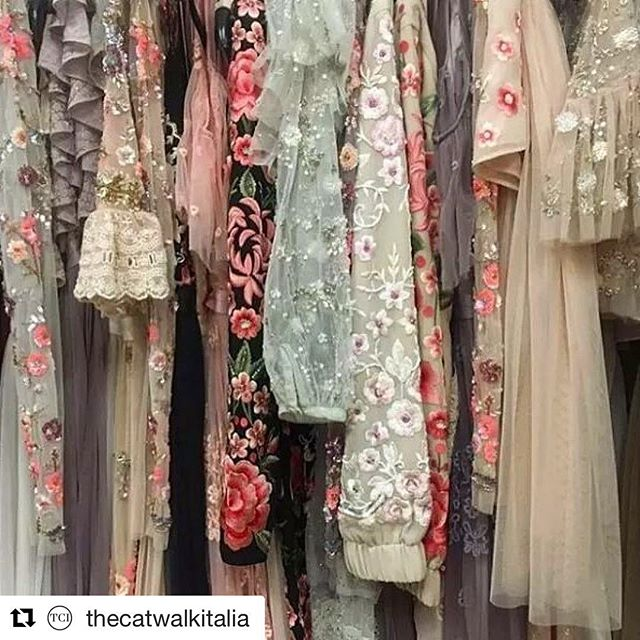 Fashion goals 😍How I wish this stunning closet was mine. 👗💍👠👑 #hautecouture #weddinggown #italianfashion #princess #fashion #vogue #love #dress #stylemepretty #polishgirl #fashionblogger #catwalk #bridalfashion #bride #designer