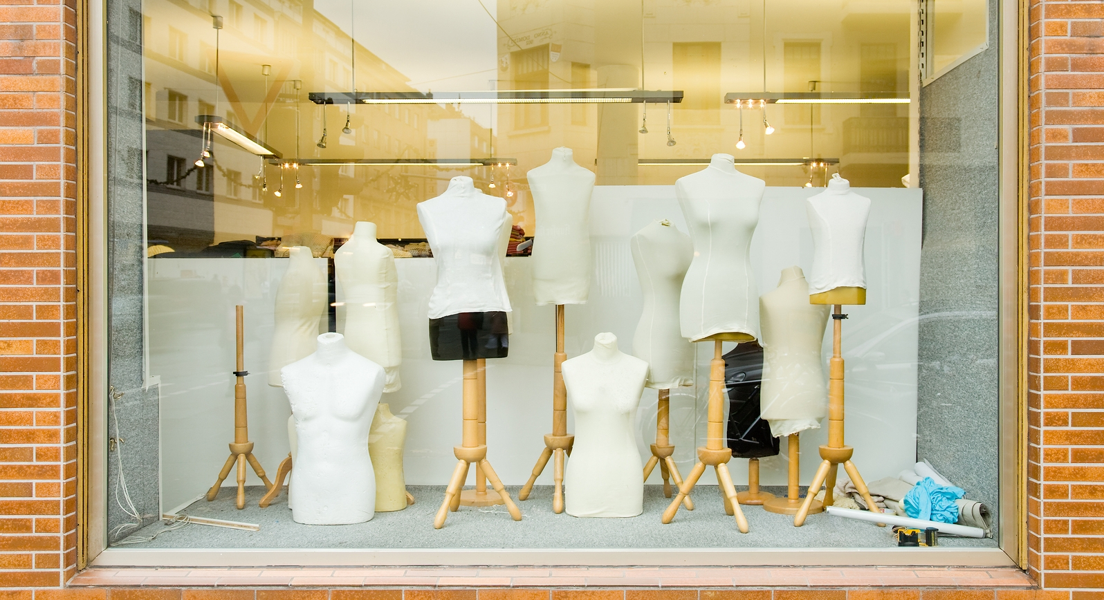 bigstock-Mannequins-in-a-fashion-store-27473099.jpg
