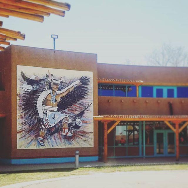 Great work in the courtyard at the Indian Pueblo Cultural Center (@indianpueblo). The Zia exhibit is a must!  #artmural #indianpuebloculturalcenter #ipcc #nmart #puebloart #ziaexhibit #nmarts