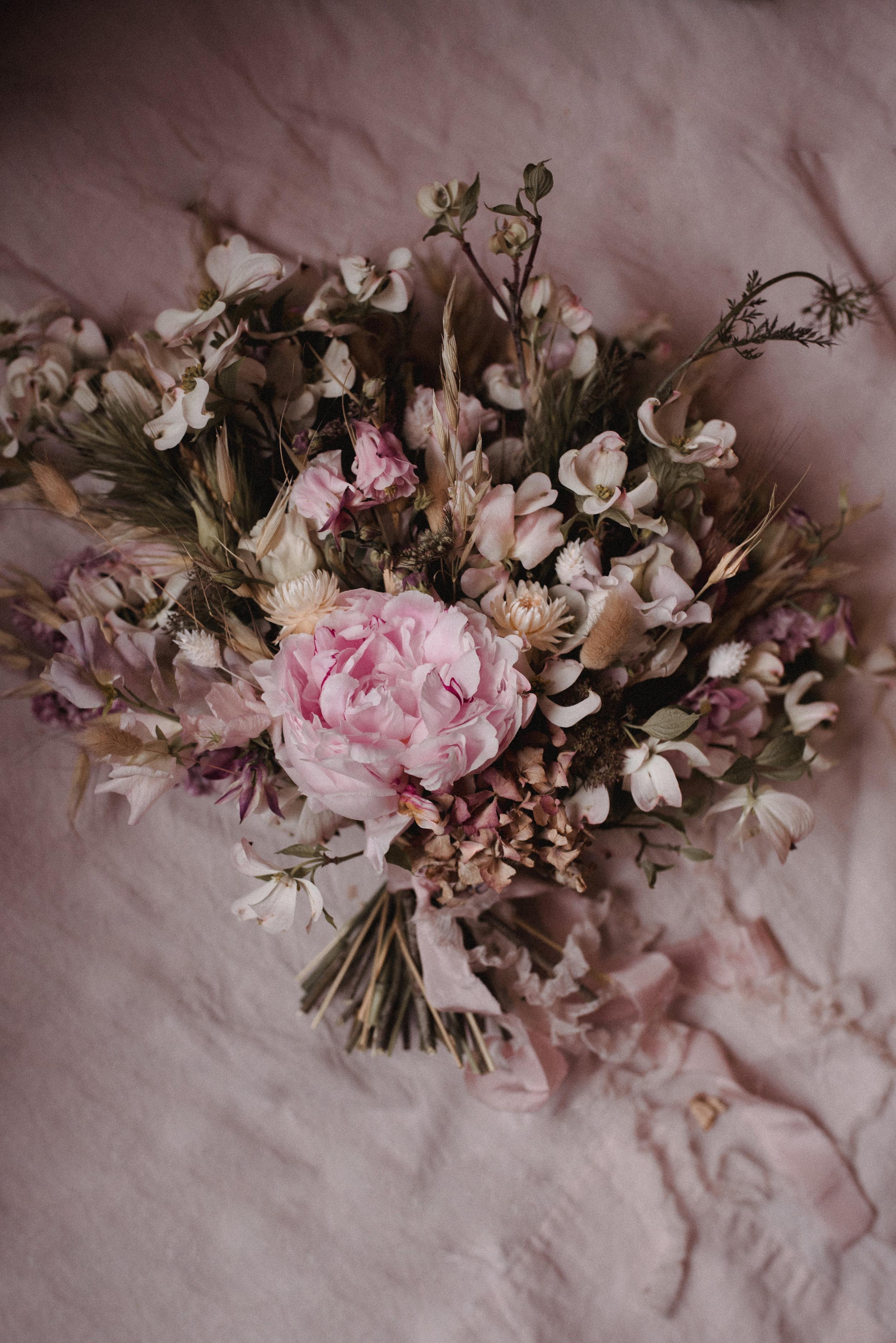 Minuit-Sauvage-Blooms-2.jpg