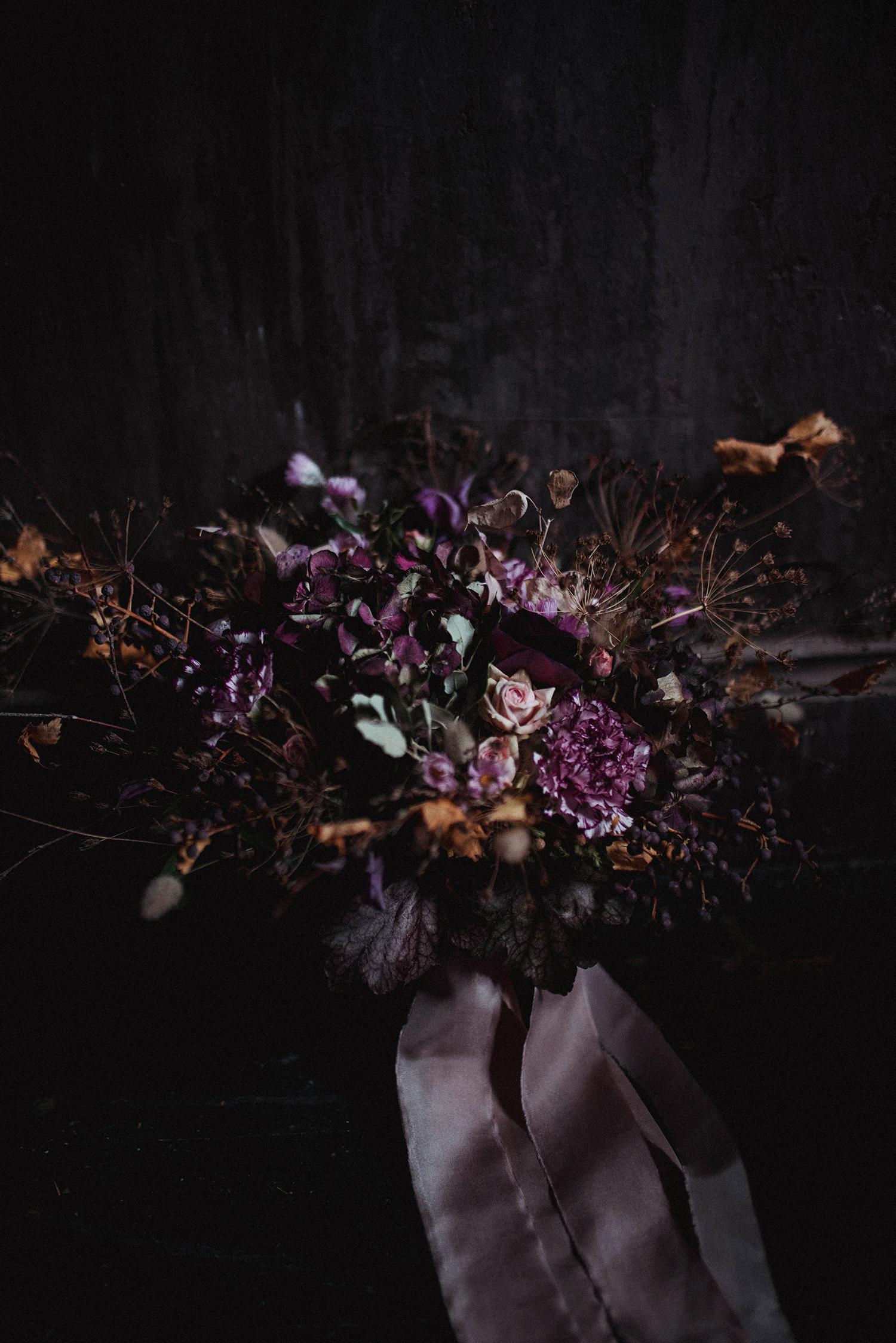 Claire-Augustyniak-Nature-Morte-Bouquet-Clair-Obscur.jpg