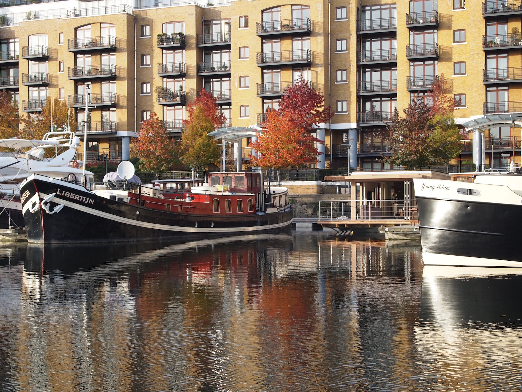 Autumn Eco floating home at St Katharine Docks
