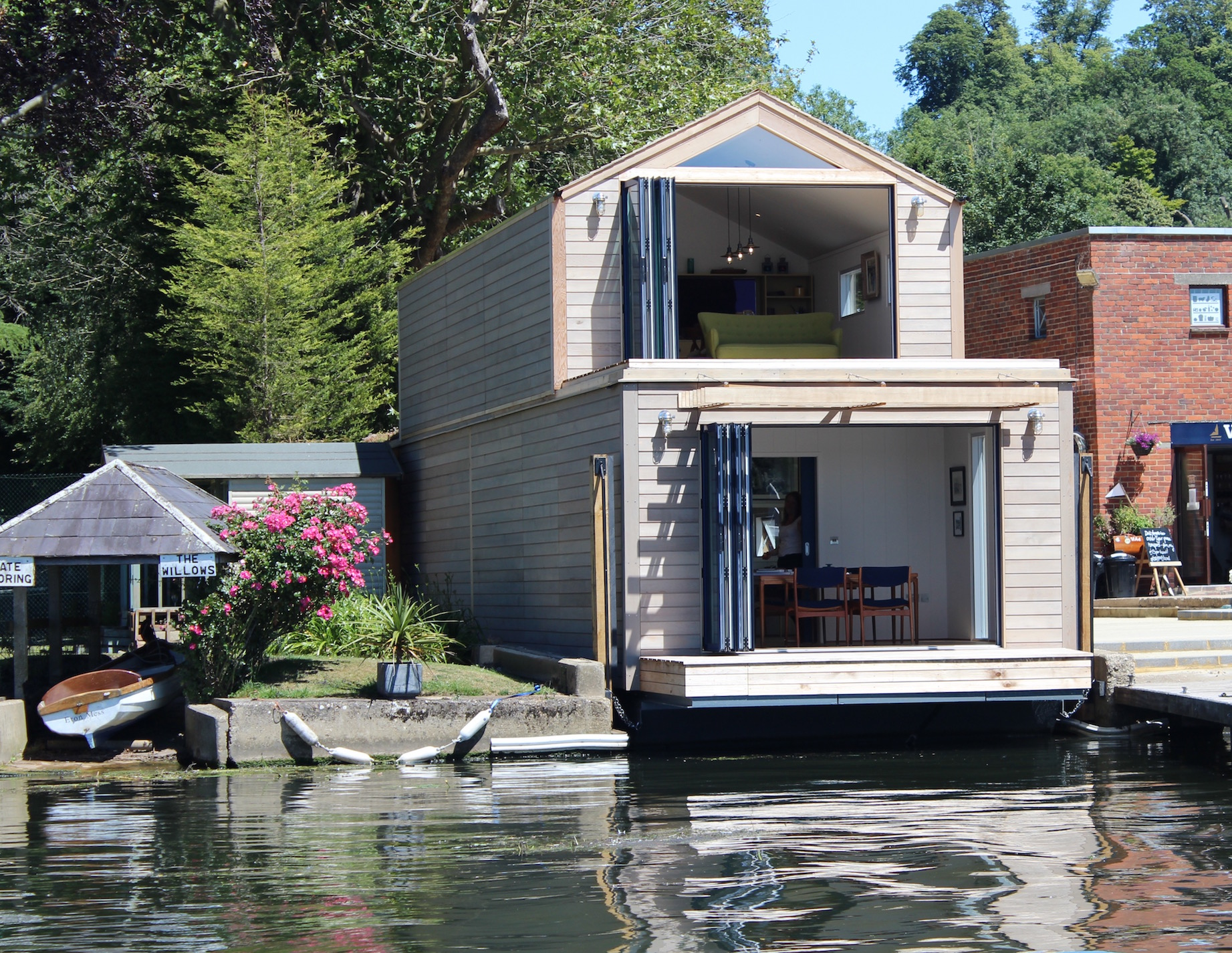 Flood proof floating office