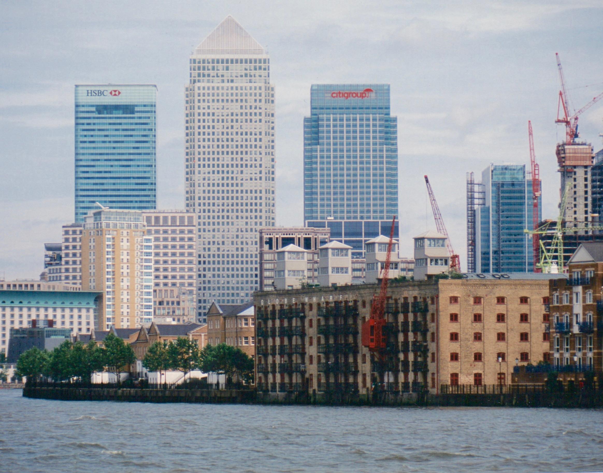 Canary Wharf Skyline.jpg