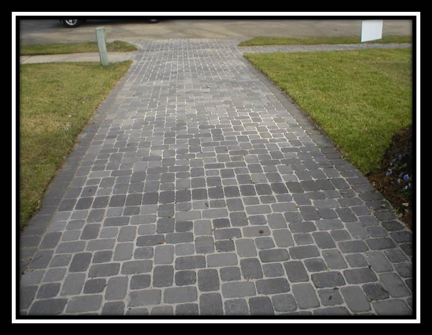 Pavestone_Driveway2.jpg